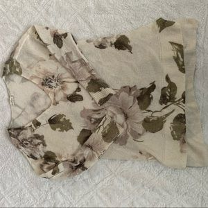 ABERCROMBIE & FITCH Off white floral top
